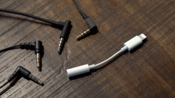 iPhone 7 Headphone Adapter Named As One of The Ugliest Tech Product For 2016